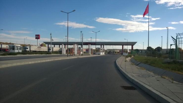 ... und einer 4 km langen LKW - Schlange auf türkischer Seite ... ?