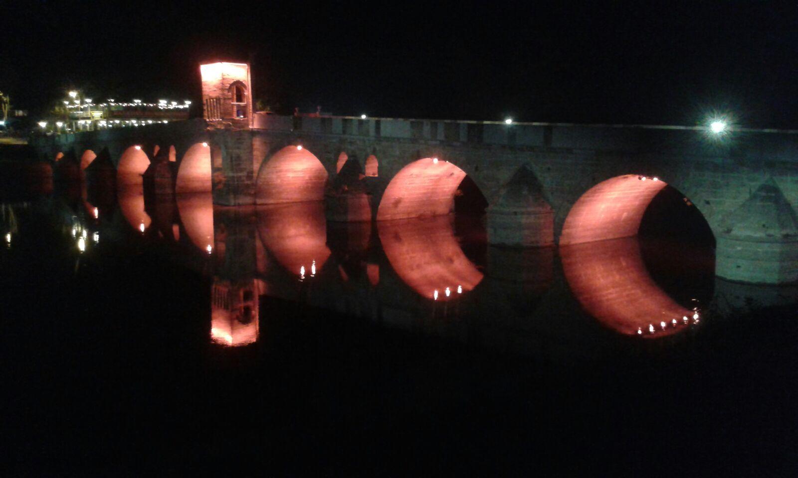 ... die Tunça-Brücke, die über den Fluss Tunça von Edirne nach Karaaçag führt ... aus osmanischen Zeit & ca. 400 Jahre alt.