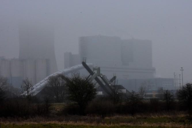 18.03.16. Kraftwerk Westfalen im Nebel, Teilansicht.