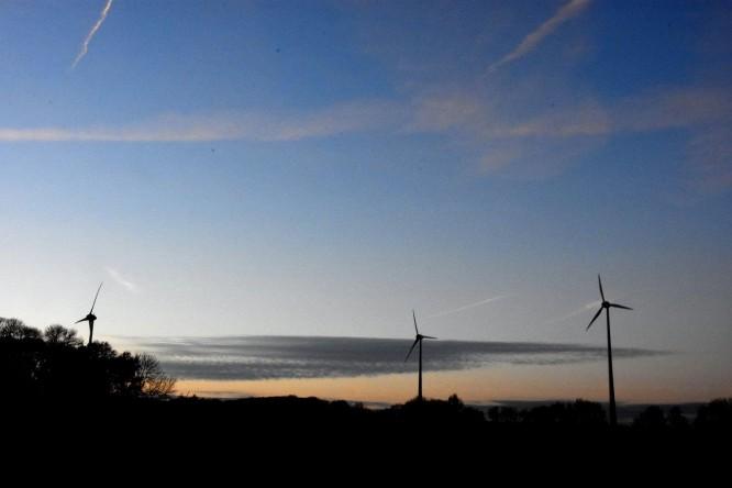 (C) Gerd Peter 27.11.2015; Der Windpark in Barsen, Stadtteil Bockum-Hövel. Die Kohlelobby der SPD verhinderte einen Windpark in der Nähe: Den Windpark Isenburg.